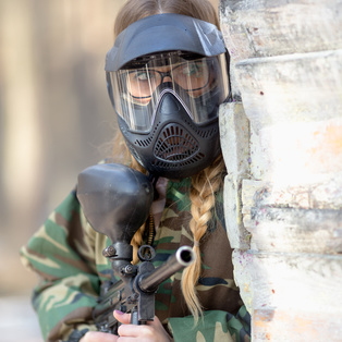 Faire du paintball entre femmes
